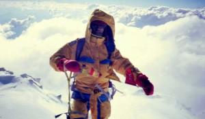 Carlos Soria en la cima del Nanga Parbat (8.125 m) el 11 de agosto de 1990, primer ochomil ascendido por una expedición de Peñalara
