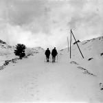 Dos esquiadores