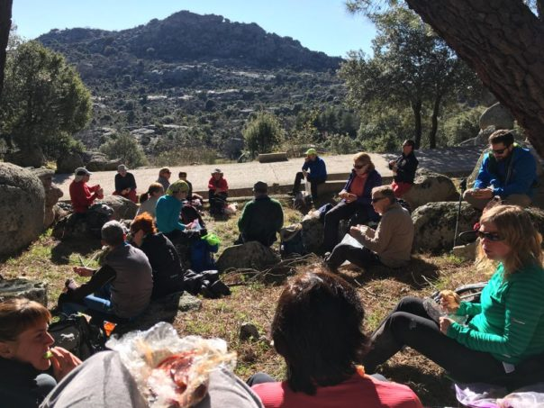 El grupo comiendo cerca del Convento de San Antonio.