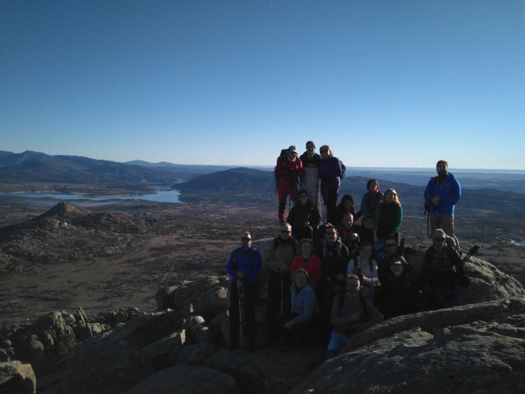 El grupo en la cumbre del Pico de la Miel